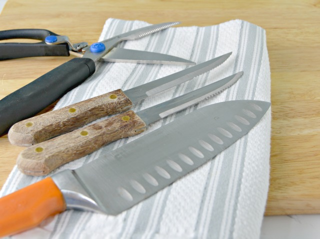 How To Clean Rusty Knives Two Ways