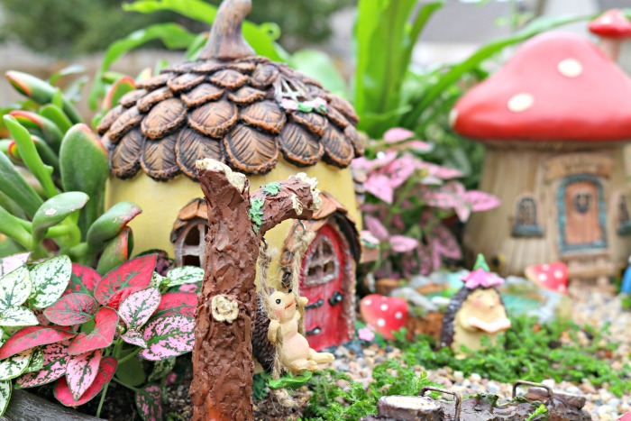 https://www.mom4real.com/wp-content/uploads/2017/03/hedgehog-fairy-garden.jpg