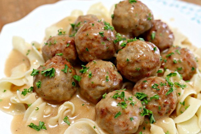 Delicious Swedish Meatballs Using Frozen Meatballs Mom 4 Real