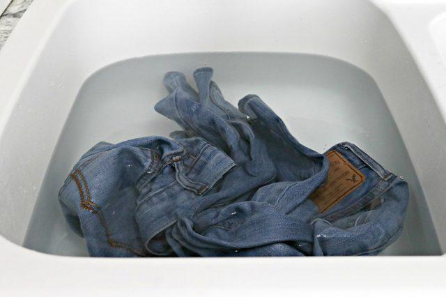 soaking-jeans