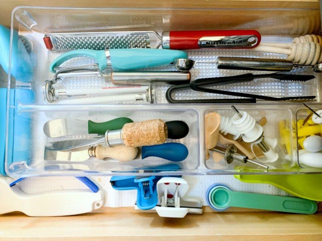 kitchen utensil storage in drawer divider